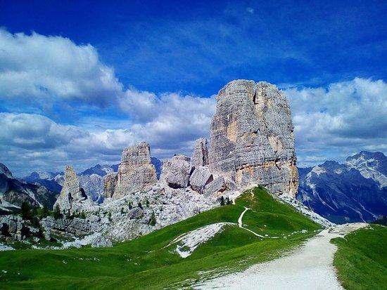 planinski izlet cinque torri treking dolomiti