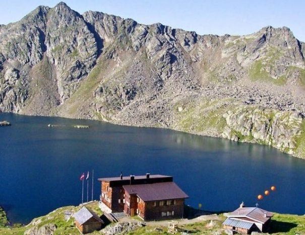 vzpon na petzeck planinski izlet